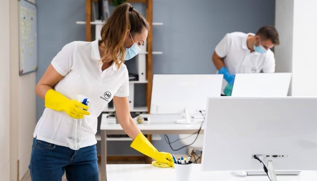 kontor rengjøring
